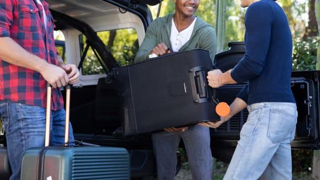 friends luggage car