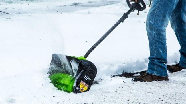Greenworks 2600602 power snow shovel