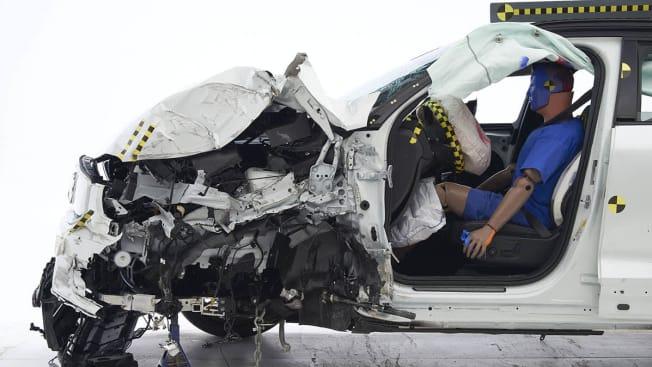 2021 Volvo XC40 Recharge crash test