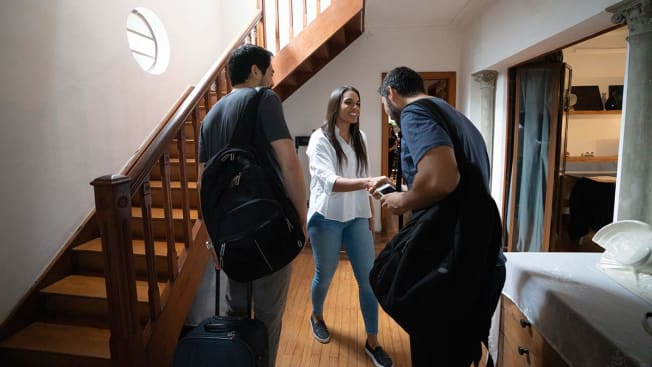 Host Welcome Guests at House Rental