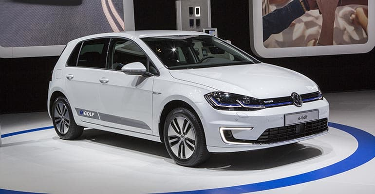 volkswagen golf preview consumer reports