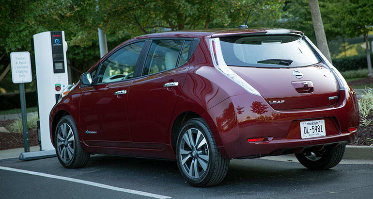 Level 3 Electric Car Charger With Nissan Leaf