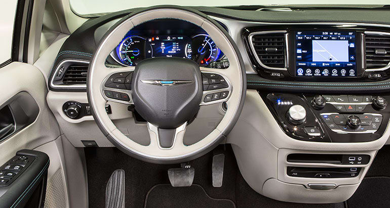 2017 Chrysler Pacifica Hybrid Interior