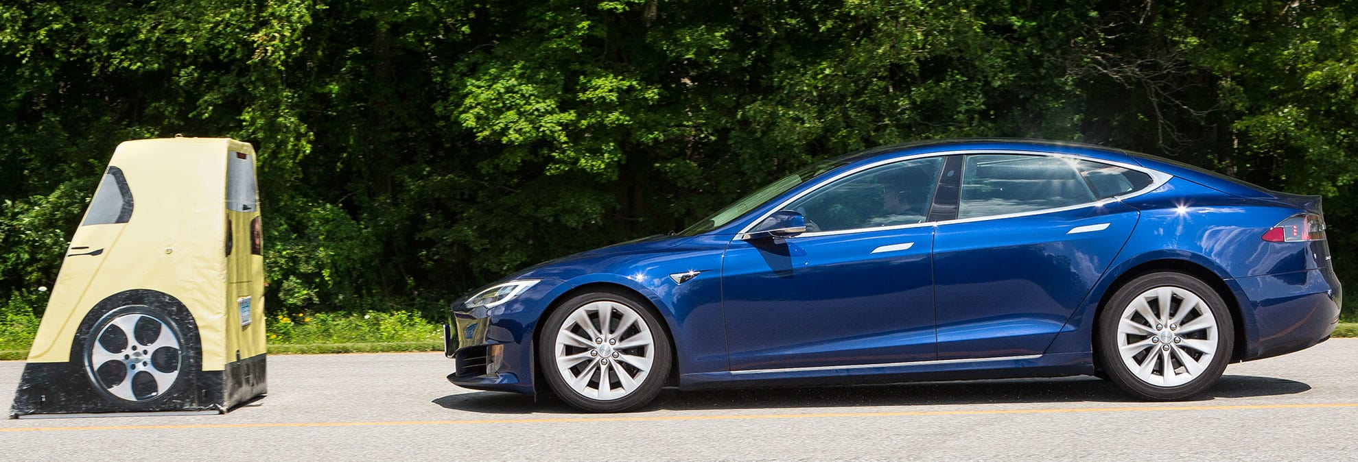 tesla model s tops consumer reports 39 ratings after getting key safety feature consumer reports. Black Bedroom Furniture Sets. Home Design Ideas