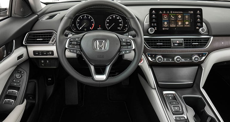 2018 Honda Accord Touring interior