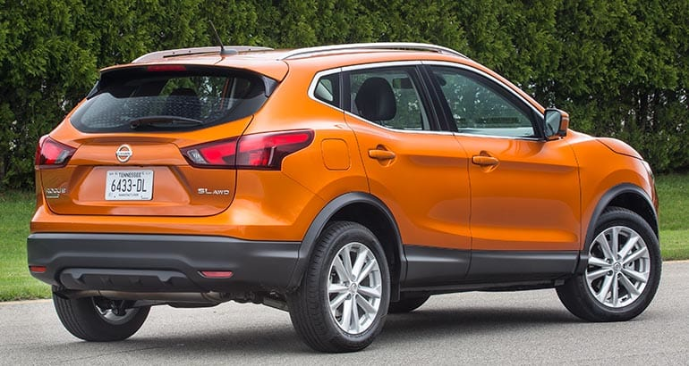 Downsized 2017 Nissan Rogue Sport Has Pizzazz Consumer