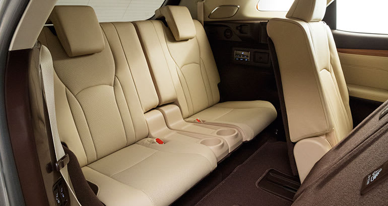 https://article.images.consumerreports.org/prod/content/dam/CRO%20Images%202017/Cars/November/CR-Cars-Inline-2018-Lexus-RXL-rear-seat-11-17
