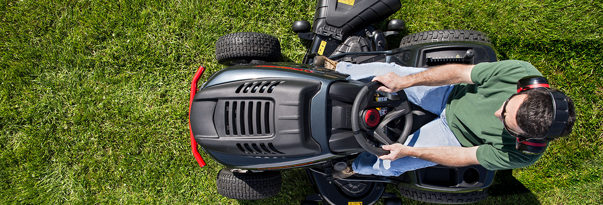 When To Find The Best Sales On A Riding Lawn Mower