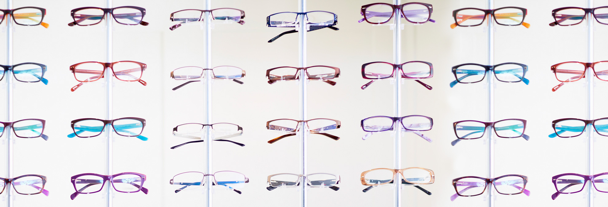 8 great ways to save on the cost of eyeglasses