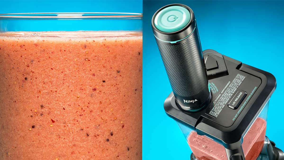 A berry smoothie and the Ninja FreshVac CT661V vacuum blender.