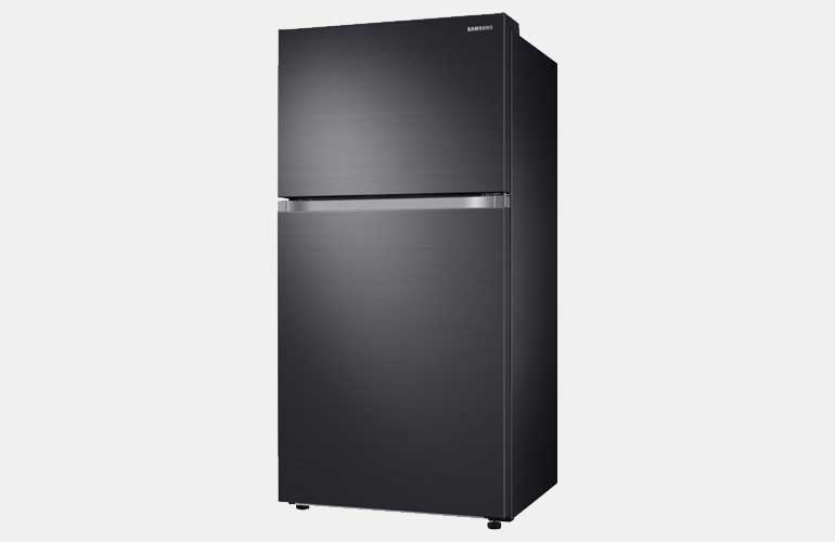 The black stainless steel Samsung RT21M6213SG top-freezer refrigerator.