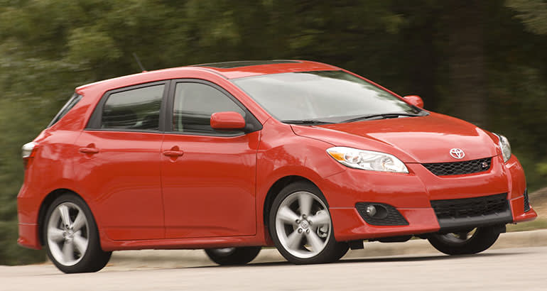 2009 Toyota Matrix driving.