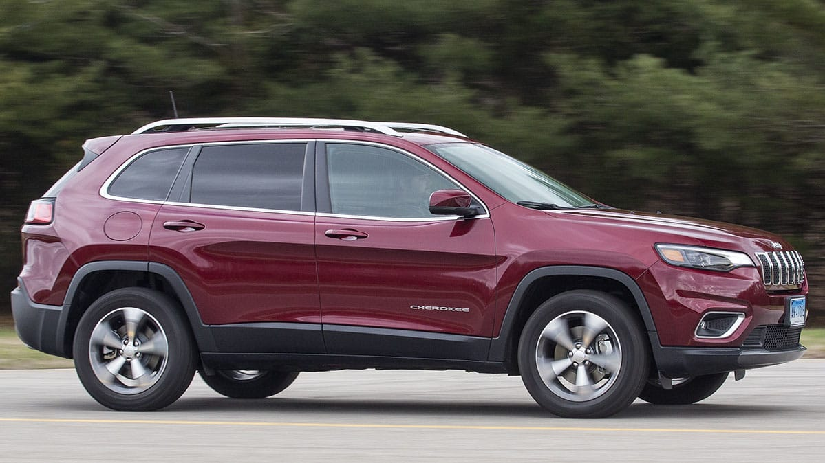 2019 jeep cherokee adds turbo consumer reports. Black Bedroom Furniture Sets. Home Design Ideas