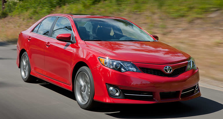 2014 Toyota Camry Driving, A Good Used Car For Teens.