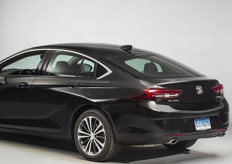 Accessing The Regal Sportback S Hatch
