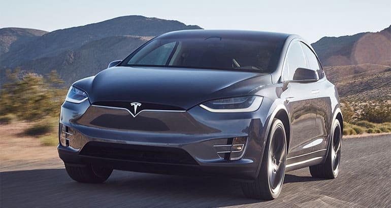 2018 Tesla Model X Driving