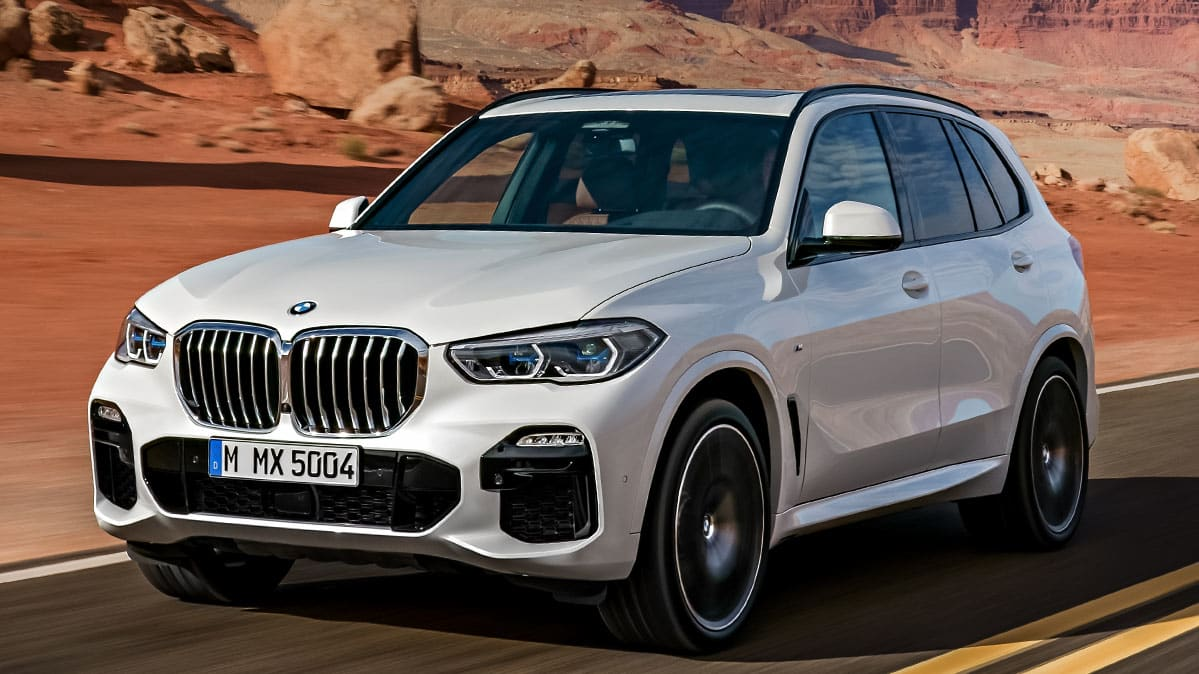 2019 BMW X5 front three-quarter view.
