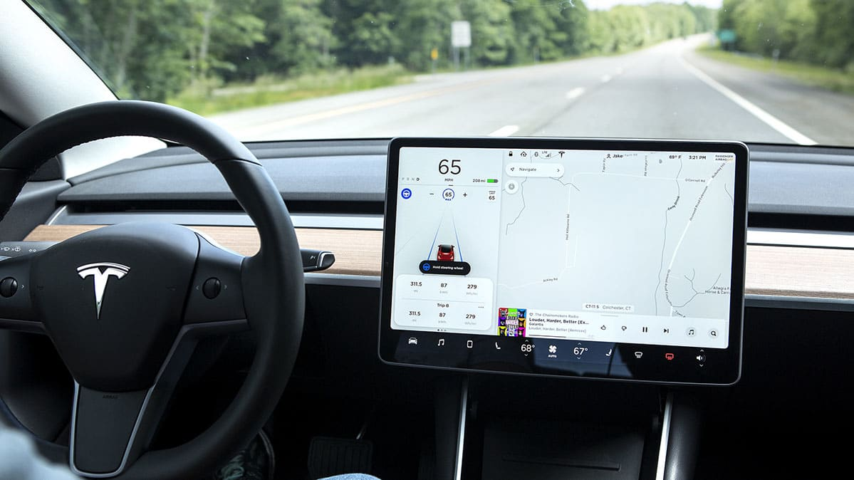 Tesla Delays Navigate on Autopilot Feature - Consumer Reports