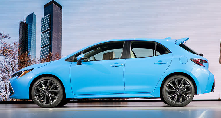 2019 Toyota Corolla Hatchback Side View