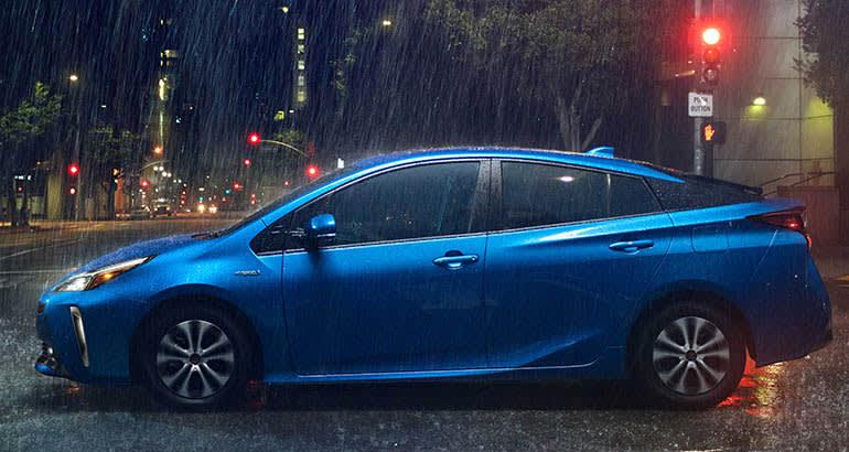 2019 Toyota Prius Awd In Rain
