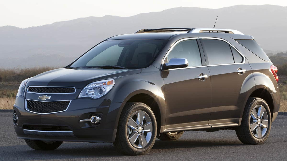 2014 Chevrolet Equinox uses GM windshield wipers.