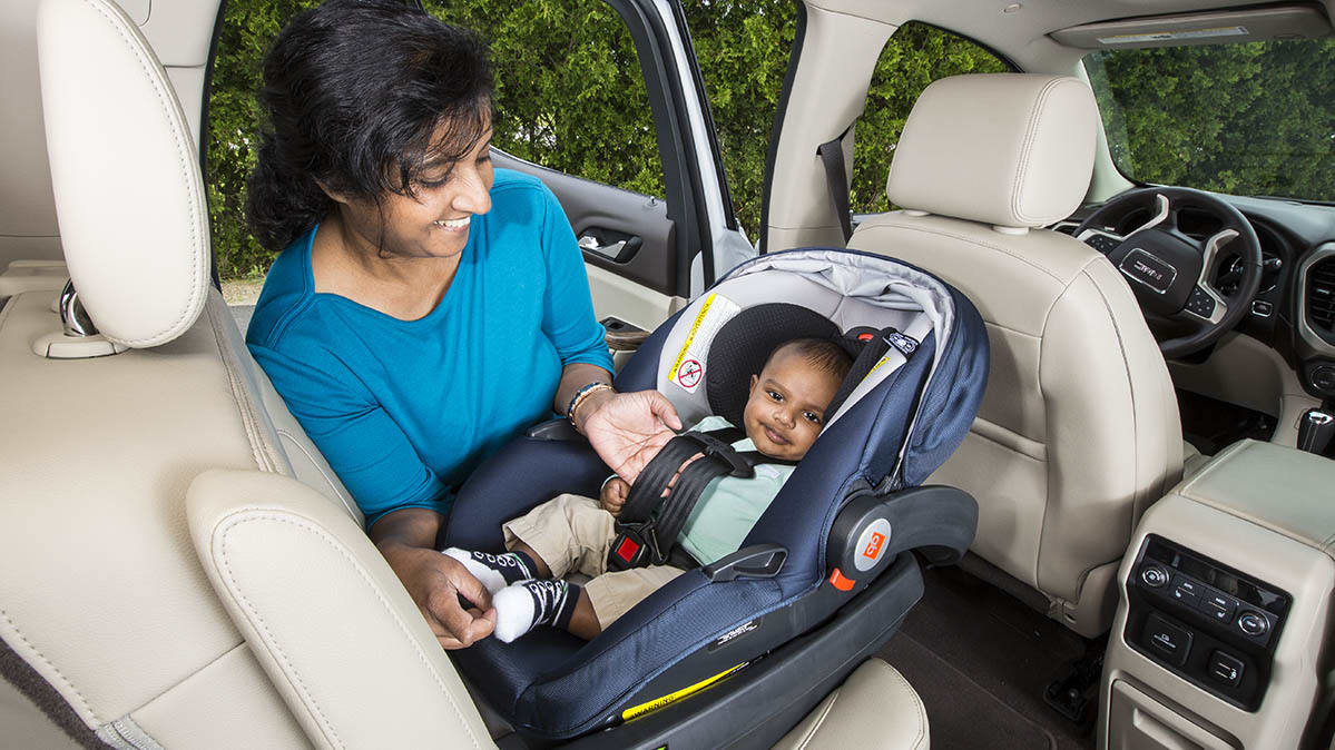Luxury Vehicle: How To Properly Adjust Your Car Seat Harness
