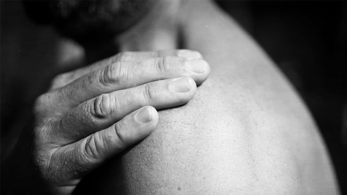How to Ease Shoulder Pain