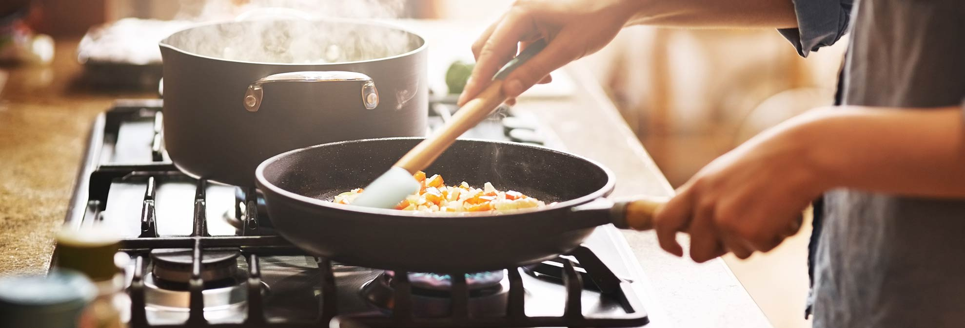 best cookware sets of 2018 consumer reports. Black Bedroom Furniture Sets. Home Design Ideas