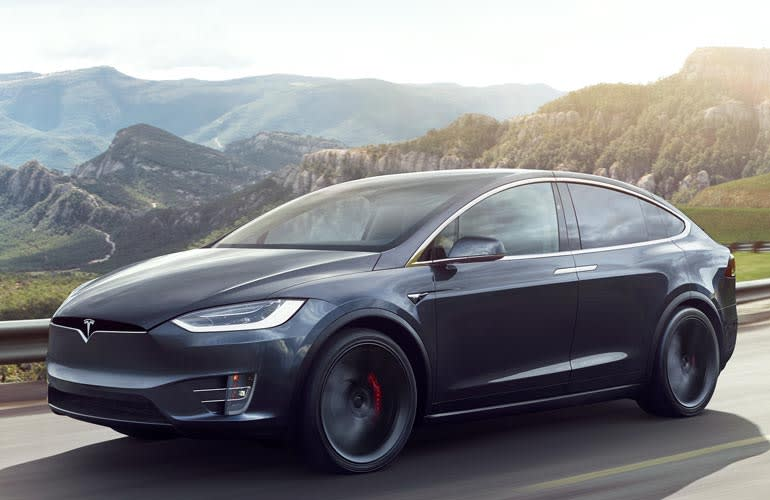 The Driver Of A Model X Who Was Killed In Single Vehicle Crash Into Concrete Barrier Week Ago California Using Tesla S Autopilot Ist