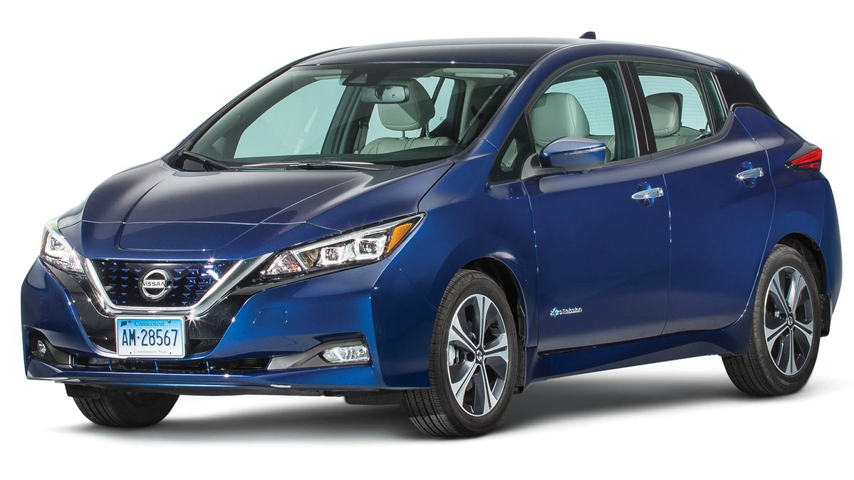 2018 Nissan Leaf Review studio photo