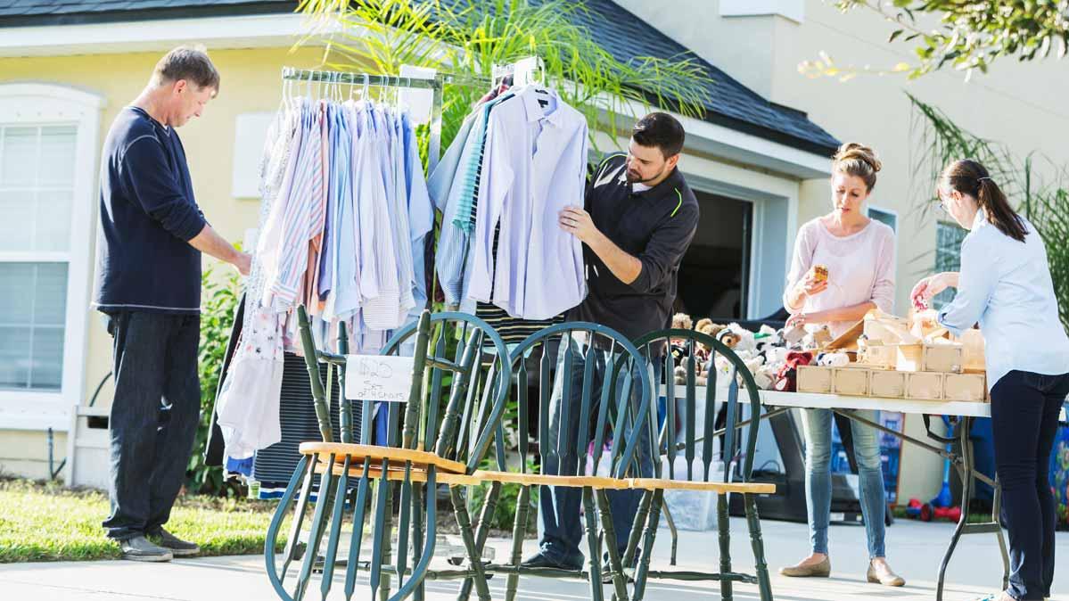 7 Ways to Score Brilliant Bargains at Garage Sales