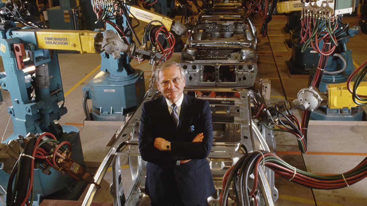 Amateur Engineers Join Consumer Reports >> Lee Iacocca Created Legendary Cars Here S What Consumer Reports