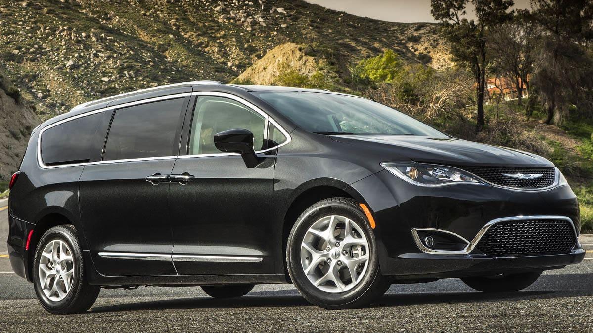 A 2018 Chrysler Pacifica Recall Minivan