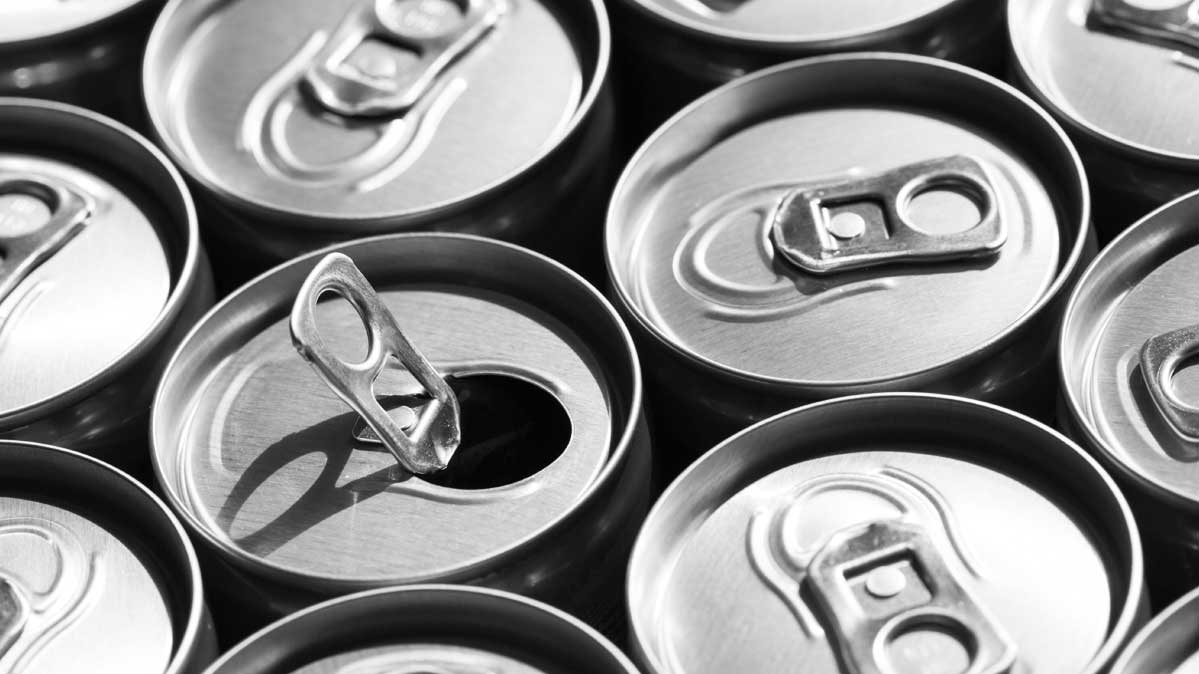 Diet drinks 'raise fizzical threat of an early death'""