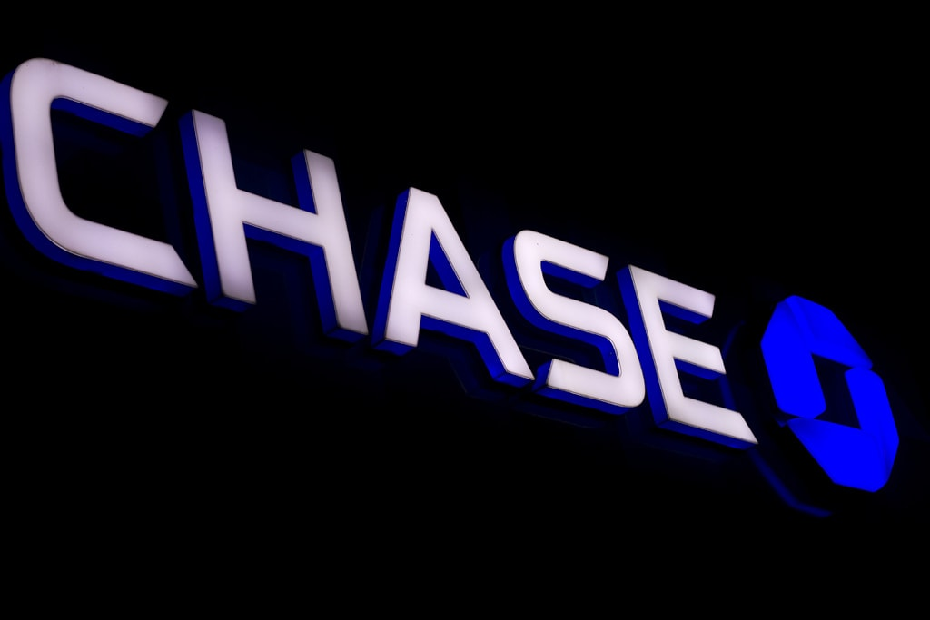 Lost Your Chase Debit Card? You Can't Get It Replaced At A Branch