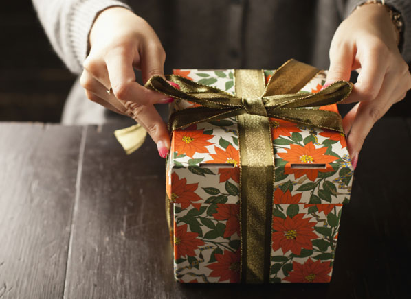 086a615810a Fewer stores offer free holiday gift wrapping. How much time will you ...