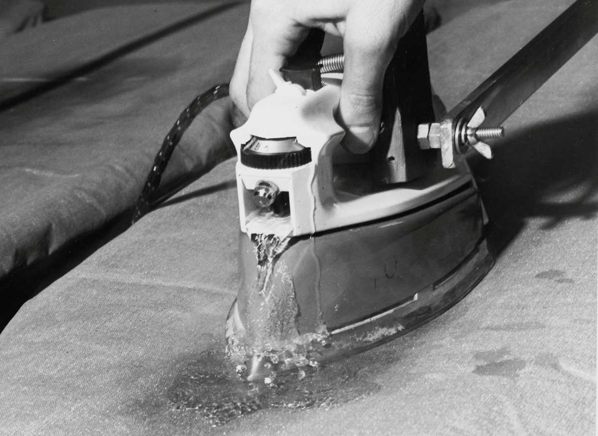 Steam irons, 1967