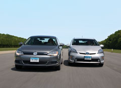 Volkswagen Jetta Hybrid Toyota Prius Plugin Consumer Reports Road Tests