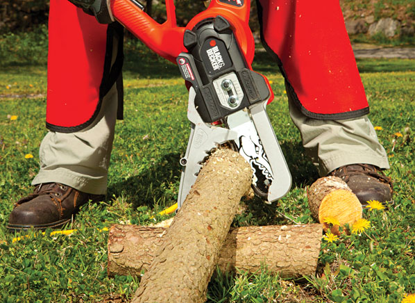 Lawn Gear for Fall Cleanup | Outdoor Power Equipment Reviews - Consumer Reports News