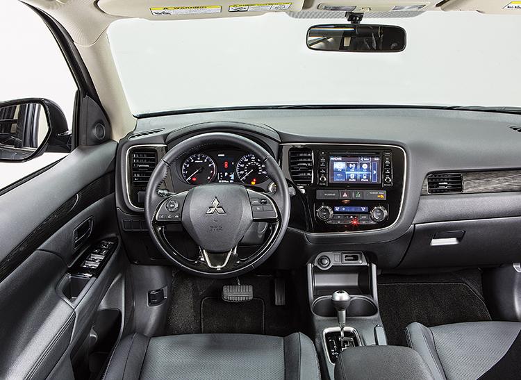 2016 mitsubishi outlander interior - 2016 Mitsubishi Outlander Interior