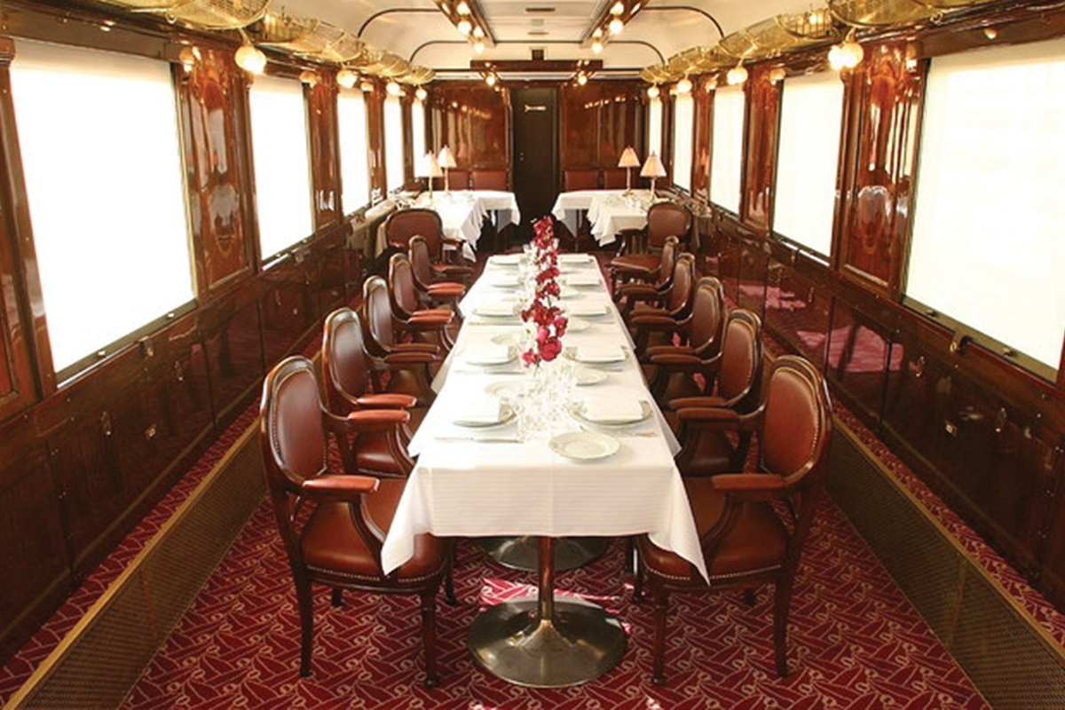 Dinning car on America's trains