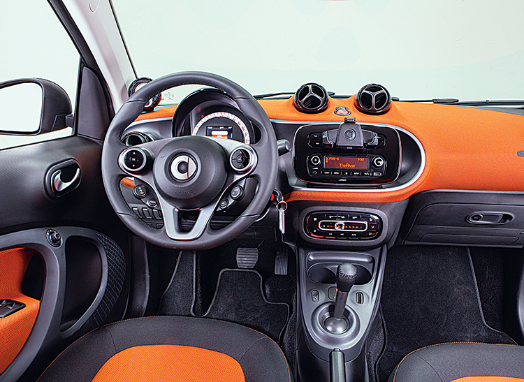 Getting Into The 2016 Smart Fortwo Is A Breeze It Seems Like Entire Side Of Opens To Let You In With Wide Tall Doors Revealing Chair Height