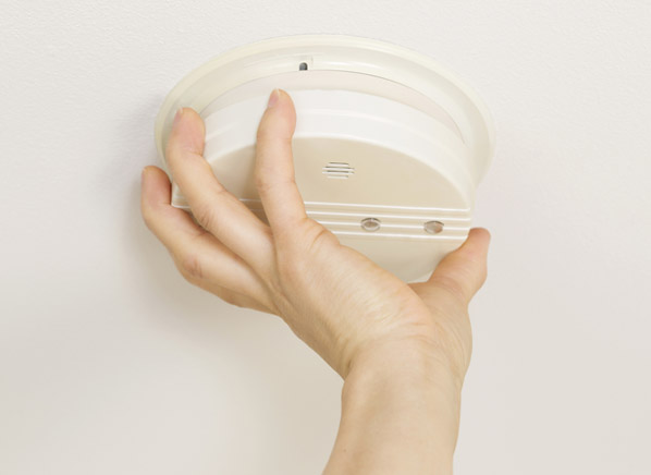 smoke detector life expectancy consumer reports