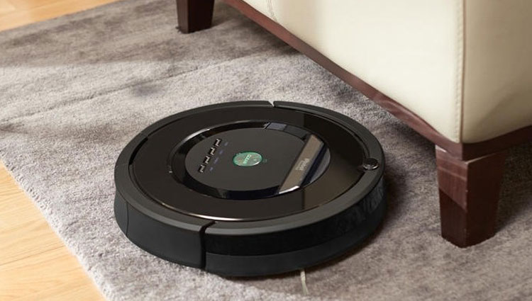 The Roomba 880 robotic vacuum.
