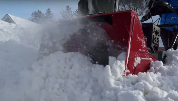 The Toro Snow Master 724 QXE snow blower.