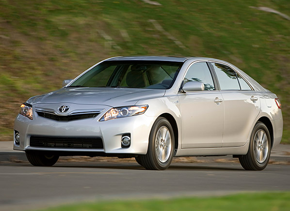 toyota should issue a recall on the camry hybrid consumer reports news