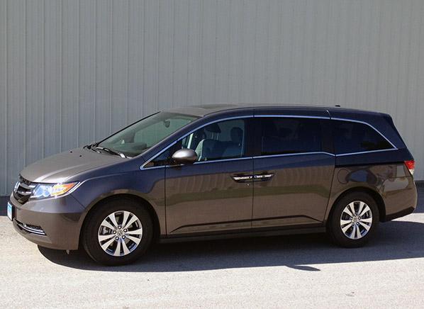 top minivan reviews best minivan consumer reports autos post. Black Bedroom Furniture Sets. Home Design Ideas