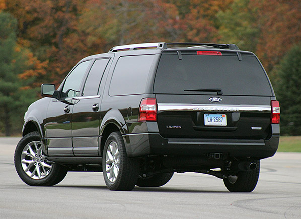 can the 2015 ford expedition el keep up with the chevrolet suburban