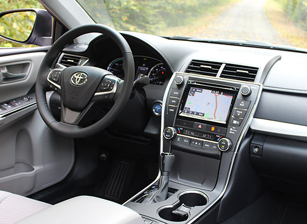 camry interior se toyota cargurus overview cars pic