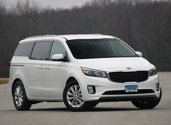 2015 kia sedona minivan makes huge strides consumer reports. Black Bedroom Furniture Sets. Home Design Ideas